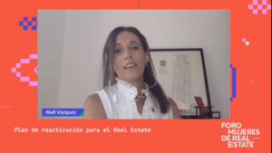 Mali Vazquez en el 1er Foro Mujeres de Real Estate